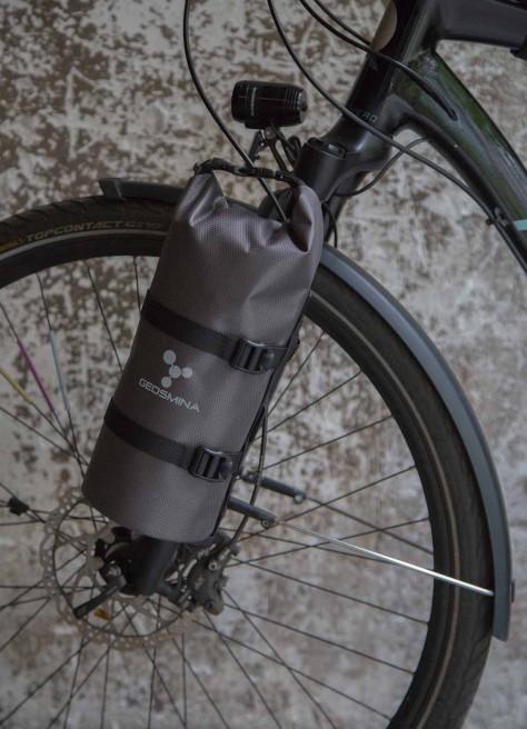 Sacoche de fourche bikepacking – Geosmina