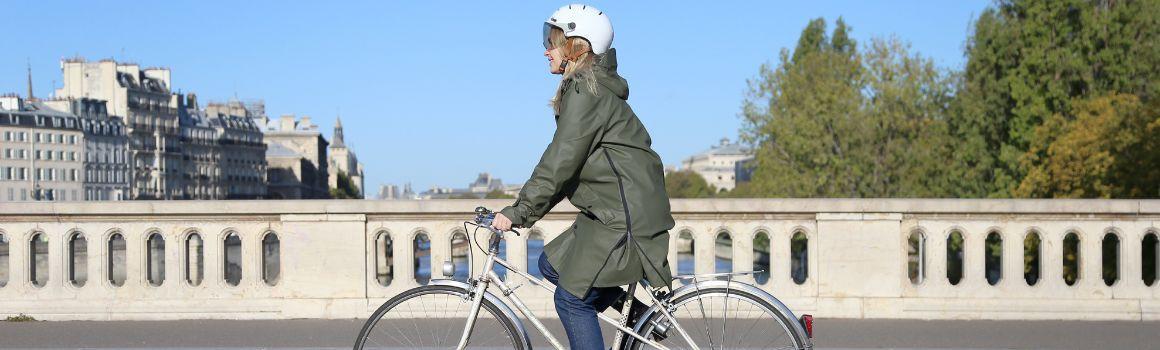 Vêtement pluie vélo femme : équipement imperméable à vélo