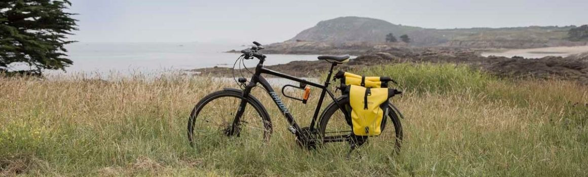 Sacoches porte-bagages de voyages à vélo  | JE SUIS À VÉLO